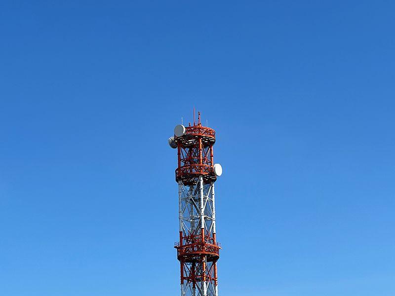 iPhone 13 Proの望遠で電波塔を撮影