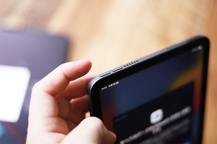 iPad mini 6の音量ボタンは電源ボタンと同じ列にある