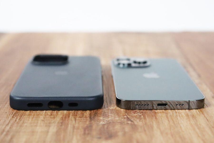 iPhone 13 Pro Apple純正レザーケースミッドナイト底面はすべて保護される