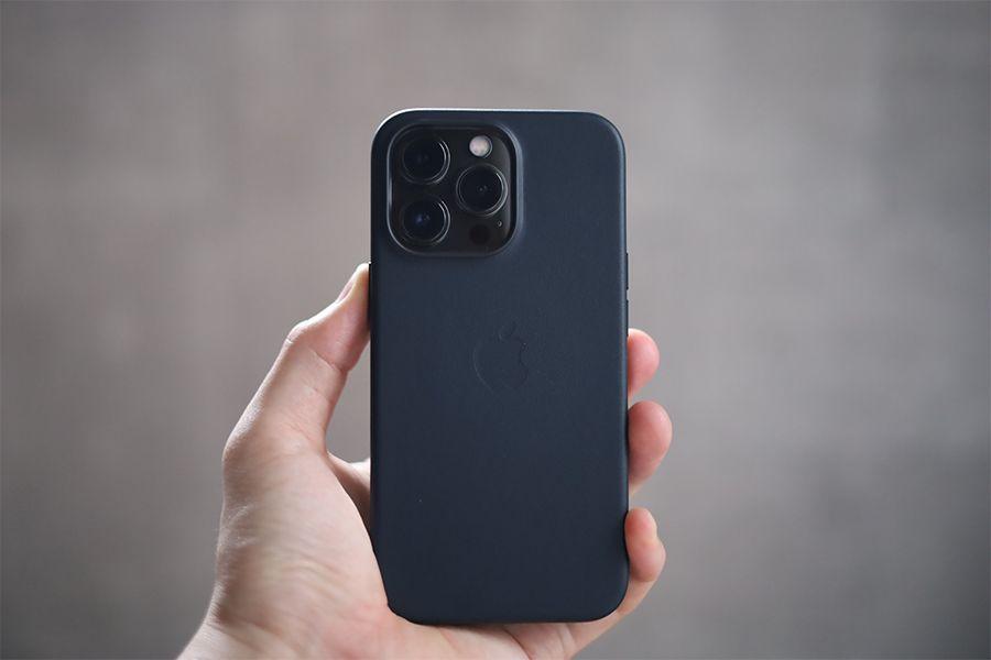 iPhone13ProのApple純正レザーケースレビュー